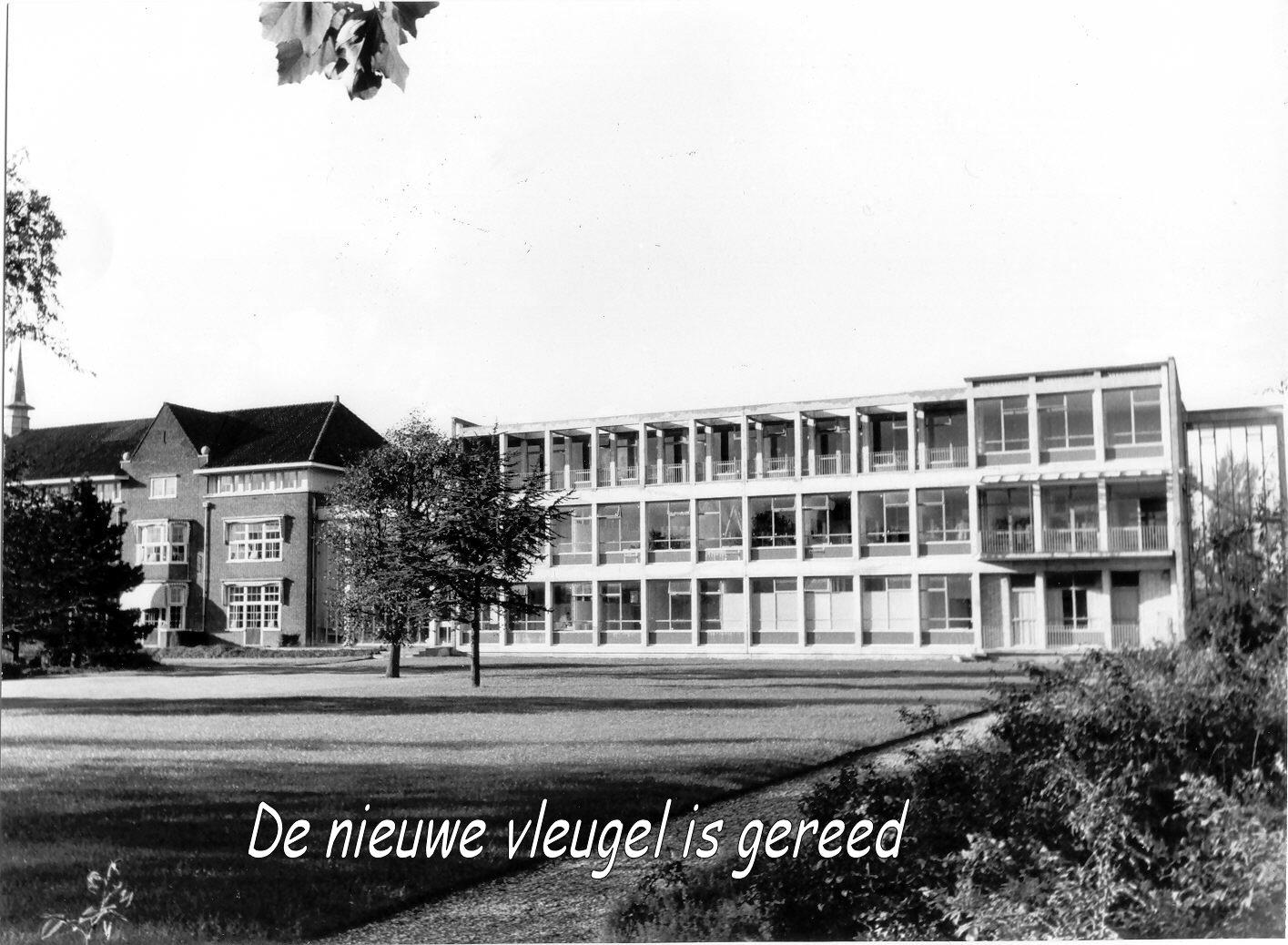 Het Van Weel-Bethesda Ziekenhuis met aangebouwde Zweedse vleugel