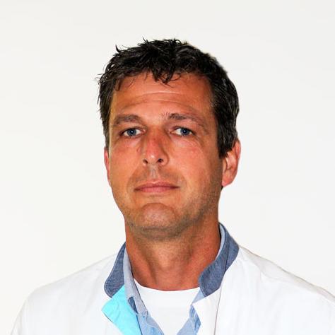 De heer dr. M.G.A. van IJken